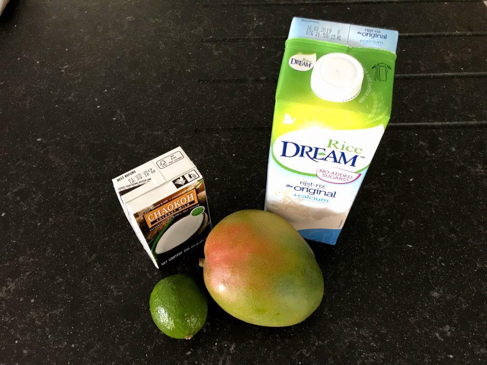 smoothie mango kokos